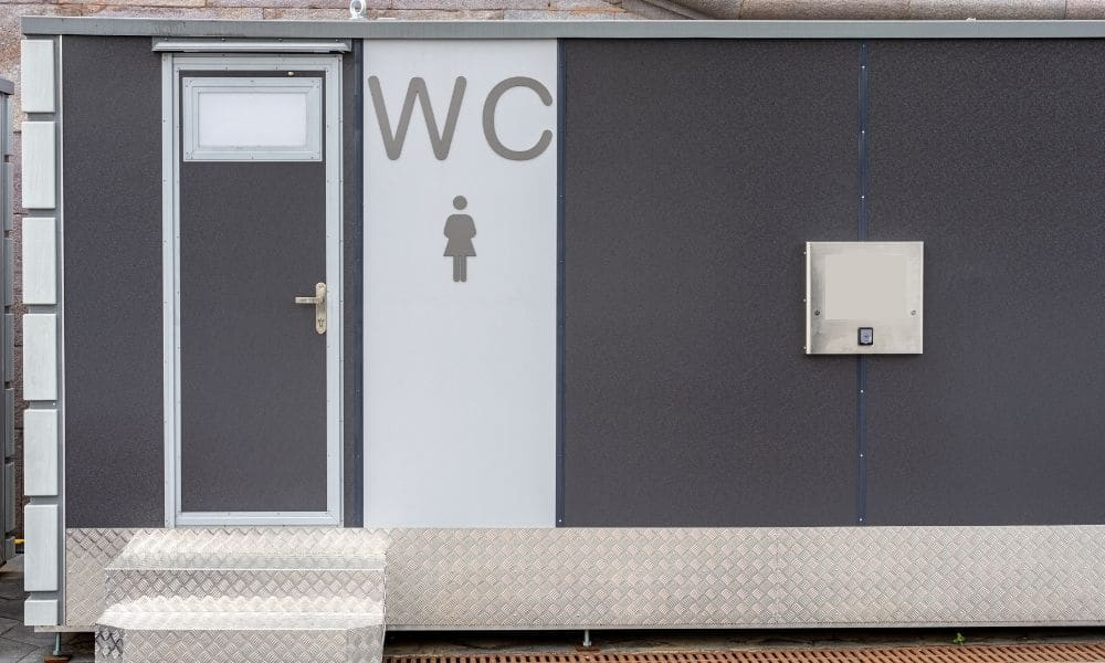 Reasons To Rent Luxury Portable Restrooms for a Special Event